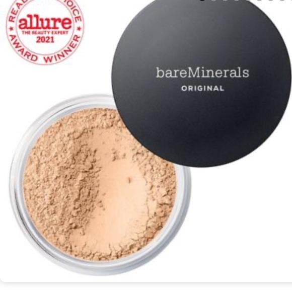 Bare minerals powder foundation light beige 09
